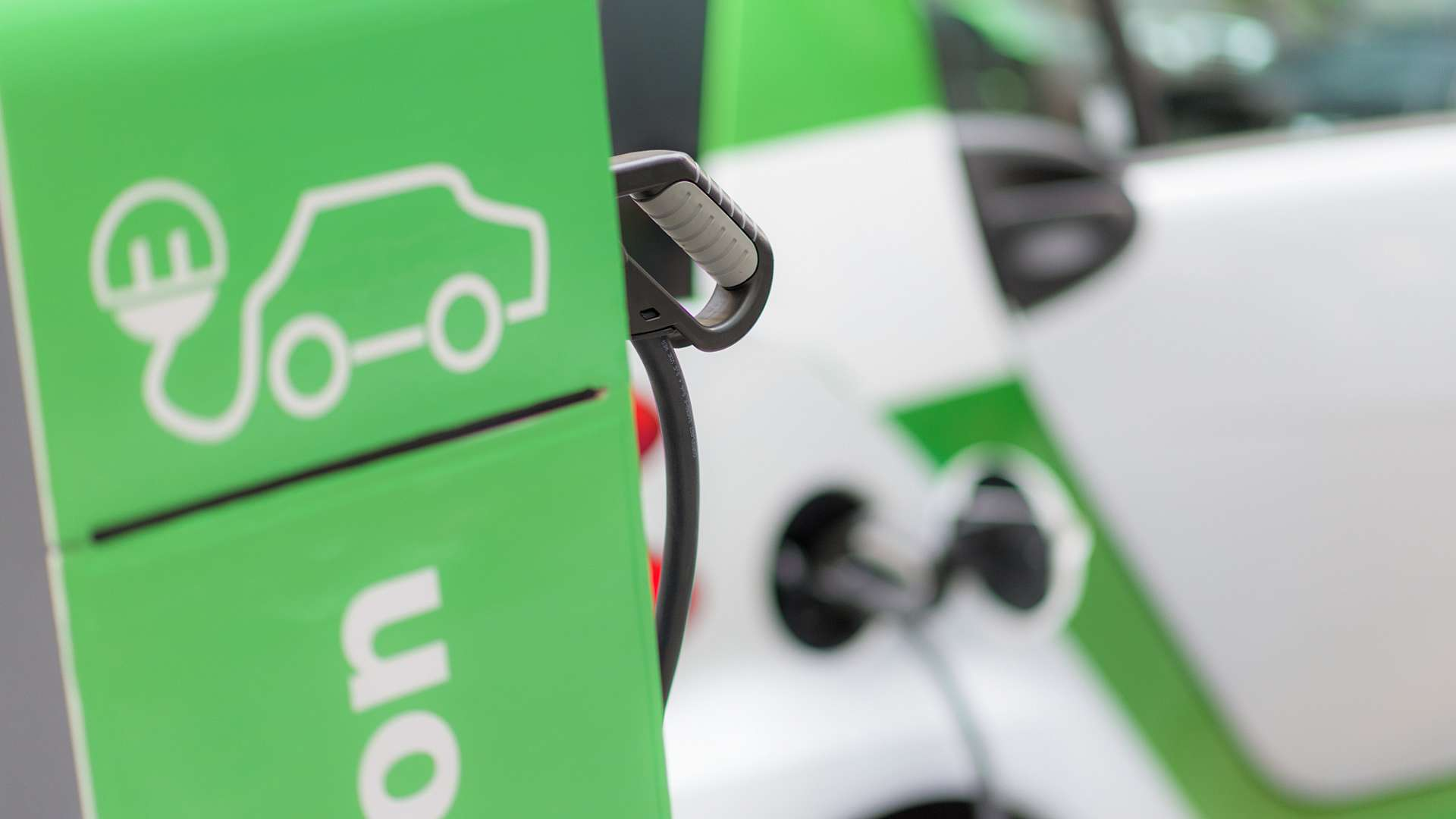 The LiNaMan project will demonstrate the technical and commercial viability of sodium nickel chloride batteries as a new disruptive technology in the UK and European electric vehicle sector